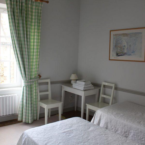 chambres-dhotes-les-mouettes-saint-suliac-chambre-verte-14